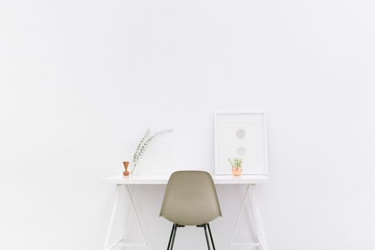 Desk for minimalists - Featured image